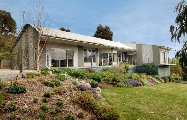 MBAV Special Commendation: Best Custom Home between $150,000 - $280,000 - North Region 2003